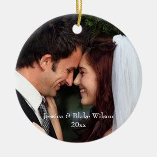 Ornamento del recién casado adorno navideño redondo de cerámica