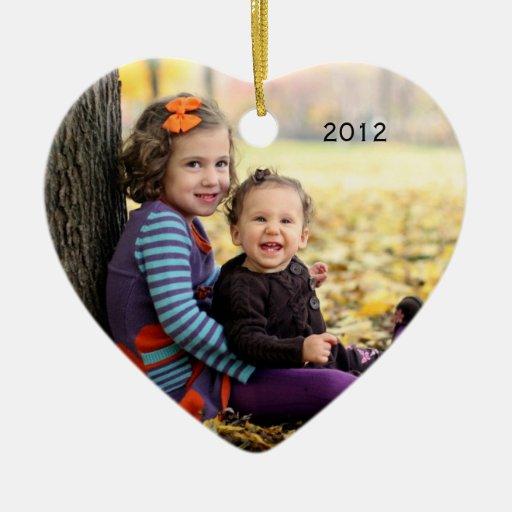 Ornamento del recuerdo de la foto adorno navideño de cerámica en forma de corazón