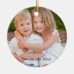 Ornamento del recuerdo de la foto adorno navideño redondo de cerámica
