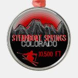 Ornamento del rojo del esquí de Steamboat Springs Ornamentos De Reyes Magos