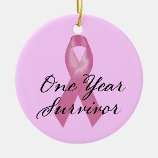 Ornamento del superviviente del cáncer de pecho un adorno navideño redondo de cerámica