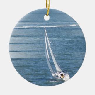 Ornamento del viento de la navegación adorno navideño redondo de cerámica