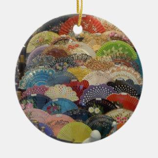 Ornamento español - fans del flamenco adorno navideño redondo de cerámica