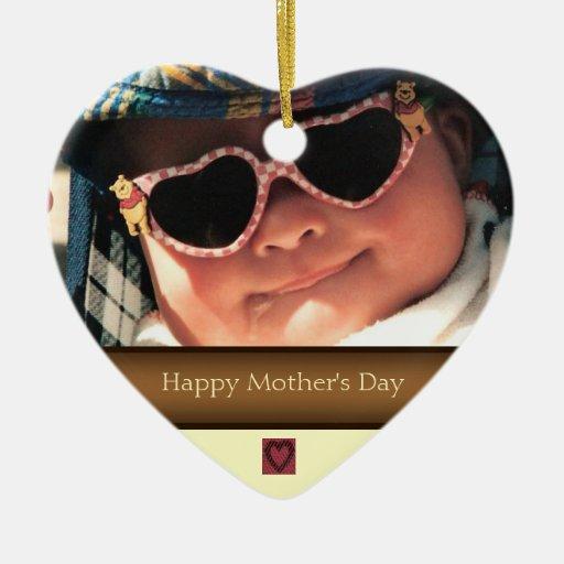 Ornamento feliz de la foto del día de madre adorno navideño de cerámica en forma de corazón