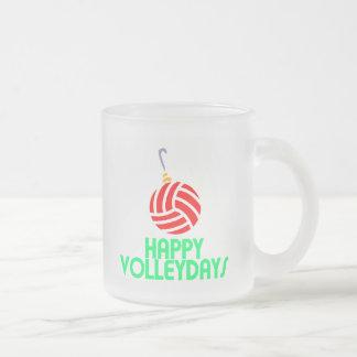 Ornamento feliz de Volleydays del navidad del vole Tazas