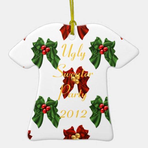 Ornamento feo del fiesta del suéter adorno de cerámica en forma de playera