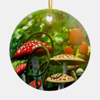 Ornamento hermoso del jardín del toadstool adorno navideño redondo de cerámica