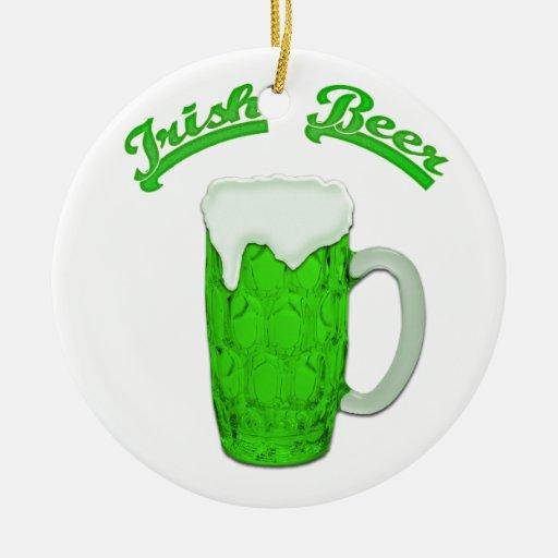 Ornamento irlandés de la cerveza #1 adorno navideño redondo de cerámica