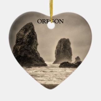 Ornamento: Las agujas 1 entonadas (corazón) Adorno Navideño De Cerámica En Forma De Corazón