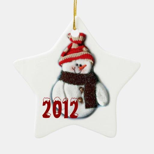 Ornamento lindo de la estrella del muñeco de nieve adorno navideño de cerámica en forma de estrella