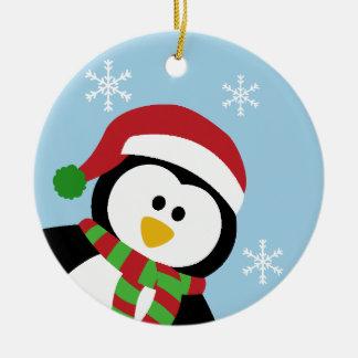 Ornamento lindo del pingüino del navidad adorno redondo de cerámica