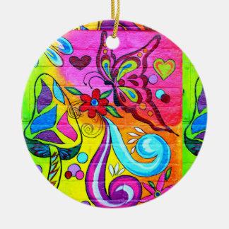 ornamento maravilloso de la mariposa psicodélica adorno navideño redondo de cerámica