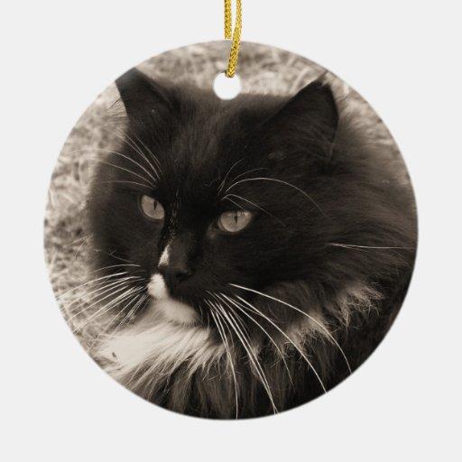 Ornamento negro y blanco del gato de la muñeca de adorno