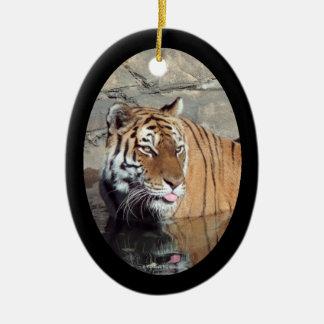 Ornamento oval enmarcado de la foto del tigre de adornos de navidad