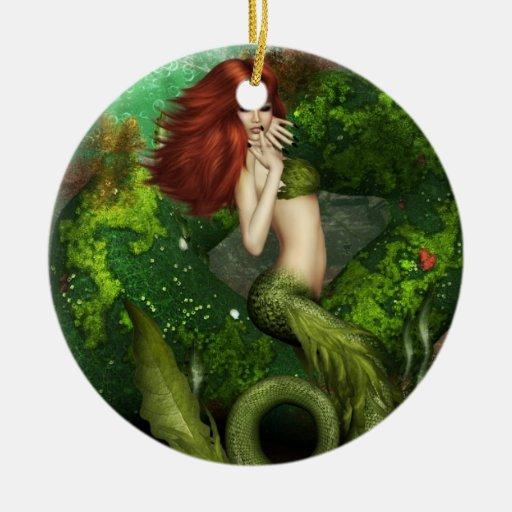 Ornamento pelirrojo de la sirena adorno redondo de cerámica