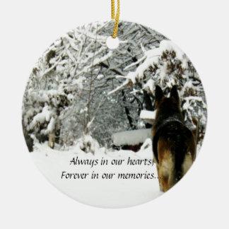 Ornamento perdido del mascota adorno navideño redondo de cerámica