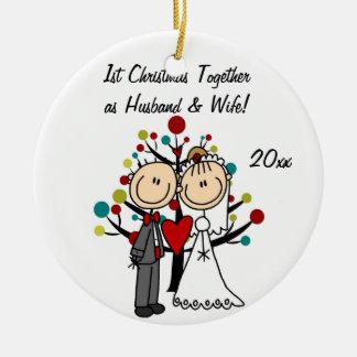 Ornamento personalizado 1r navidad de los pares adorno navideño redondo de cerámica