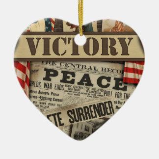 Ornamento personalizado de la paz y de la victoria adorno navideño de cerámica en forma de corazón