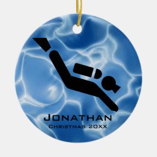 Ornamento personalizado del buceo con escafandra adorno navideño redondo de cerámica