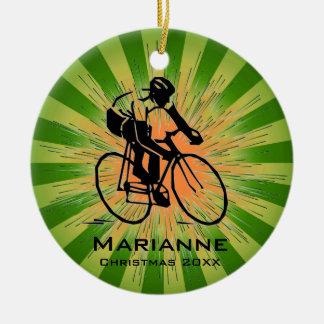 Ornamento personalizado del ciclista adorno navideño redondo de cerámica
