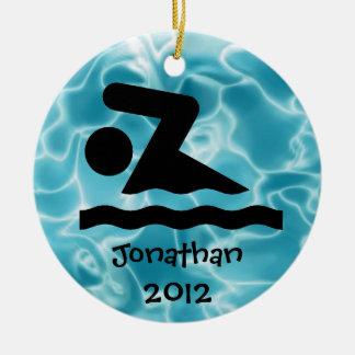 Ornamento personalizado del diseño de la nadada adorno redondo de cerámica