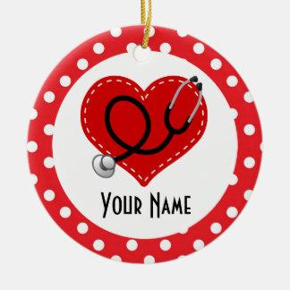 Ornamento personalizado enfermera del regalo del adorno navideño redondo de cerámica