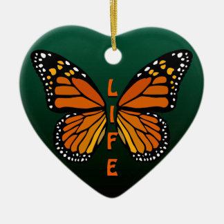 Ornamento personalizado ornamento de la mariposa adorno navideño de cerámica en forma de corazón