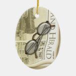 Ornamento personalizado periódico del vintage adorno navideño ovalado de cerámica