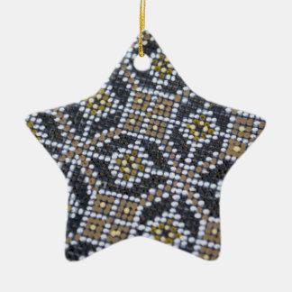 Ornamento pintado punto geométrico del modelo adorno de cerámica en forma de estrella