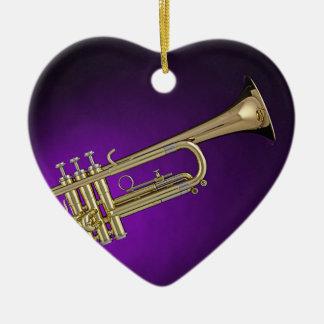 Ornamento púrpura del fondo de la trompeta adorno navideño de cerámica en forma de corazón