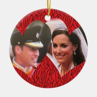 Ornamento real del boda de Guillermo y de Kate Adornos De Navidad