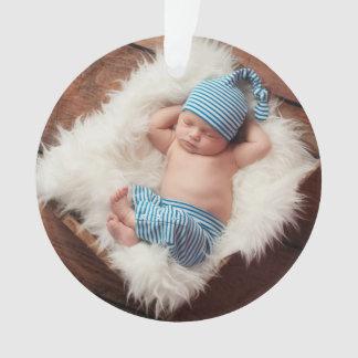 Ornamento recién nacido del día de fiesta de la