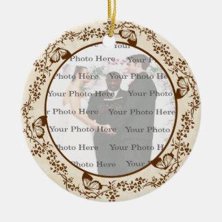 Ornamento redondo de la mariposa elegante adorno navideño redondo de cerámica