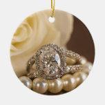 Ornamento redondo oval del anillo de bodas del adorno de navidad