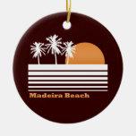 Ornamento retro de la playa de Madeira Adorno Navideño Redondo De Cerámica