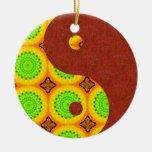 Ornamento rojo de Yin Yang de la luz verde de la a Ornamento Para Reyes Magos