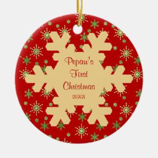 Ornamento rojo del copo de nieve del primer adorno navideño redondo de cerámica