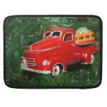 Ornamento rojo del navidad del camión (4) funda macbook pro