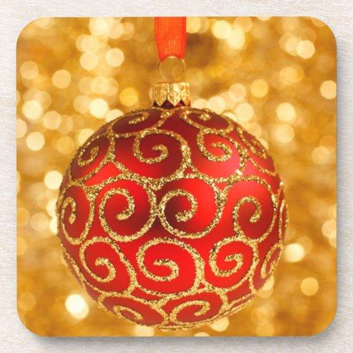 Ornamento rojo del navidad posavasos de bebidas
