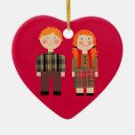 Ornamento rojo Raggedy del corazón de Ana y de And Ornamentos Para Reyes Magos