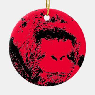 Ornamento rojo y negro del navidad del gorila del adorno navideño redondo de cerámica