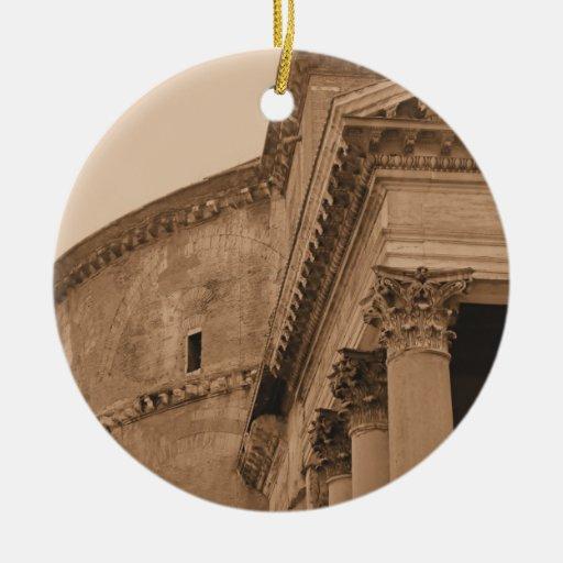 Ornamento romano antiguo del navidad del panteón ornamentos de reyes