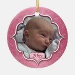 Ornamento rosado de la foto del primer navidad del adorno de reyes