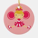 Ornamento rosado del recuerdo de la animadora del  ornamente de reyes