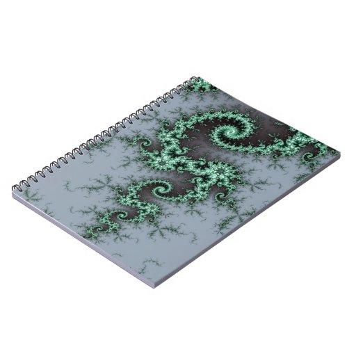 Ornamento verde - diseño elegante del fractal libros de apuntes