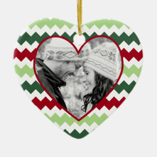 Ornamento verde rojo del navidad de la foto del adorno de cerámica en forma de corazón