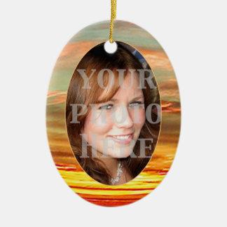 Ornamento vibrante del óvalo del marco de la foto adorno navideño ovalado de cerámica
