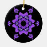 Ornamento violeta púrpura del caleidoscopio ornamentos de reyes magos