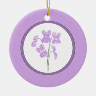 Ornamento violeta salvaje del ramo de la acuarela adorno redondo de cerámica
