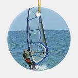 Ornamento Windsurfing tropical Adorno Navideño Redondo De Cerámica
